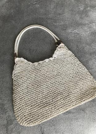 Соломенная винтажная сумка на коротких ручках