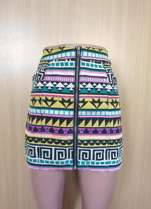 Разноцветная джинсовая юбка на молнии спереди ацтек принт