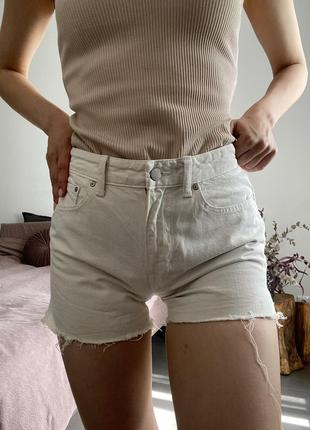 Джинсовые шорты *