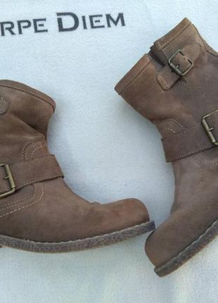 Крутые женские замшевые ботинки