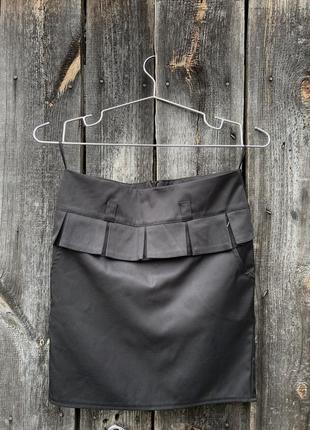 Чорна я юбка с бахромою