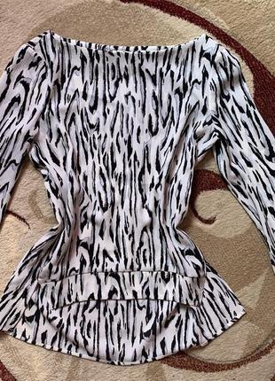 Блуза в актуальный звериный принт