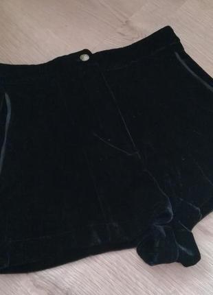 Черные бархатные шортики с высокой посадкой