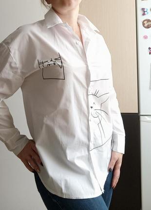 Белая свободная рубашка с котиками, oversize