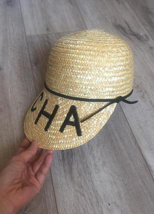 Соломенная кепка в стиле шанель