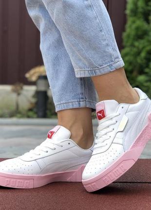 Білі кросівки з рожевою підошвою 🔥
