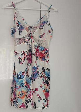 Шикарное нежное платье а бельевом стиле с кружевом цветочный принт