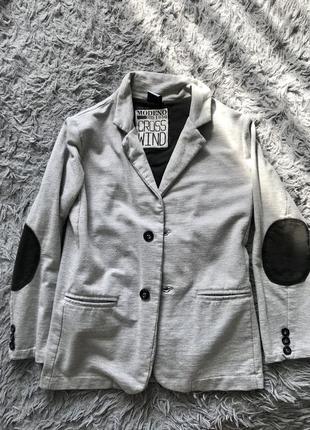 Пиджак с локотками