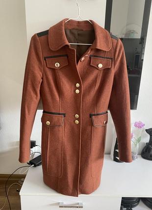 Пальто коричневое рыжее