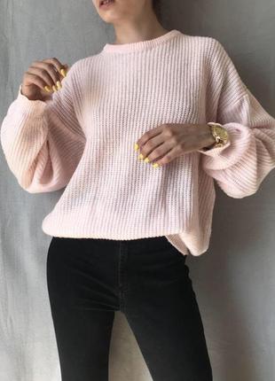 Удлиненний пудровий свитер оверсайз