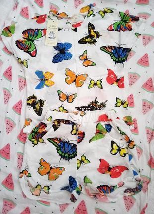 Легкий летний костюм для девочки с бабочками