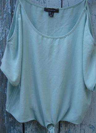 Мятная блуза вырез на плечах декор-завязки  оверсайз