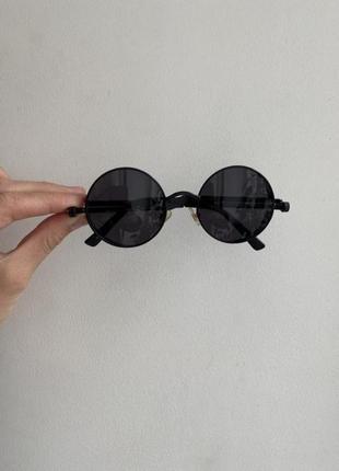Чёрные круглые очки