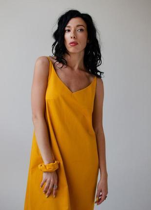 Платье длинное из льна в цвете шафран