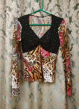 Sassofono эффектная блузка с камнями сваровски