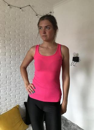 Розовая неоновая спортивная майка в рубчик under armour