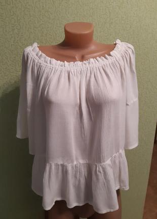 Молочный топ блуза с воланами