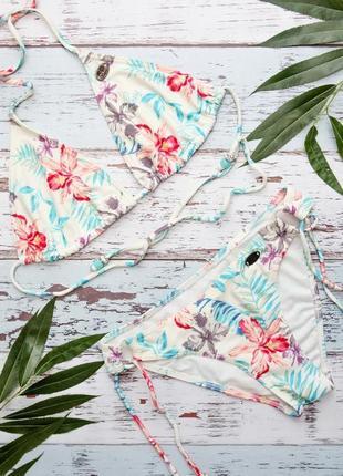 Roxy раздельный купальник с цветочным рисунком
