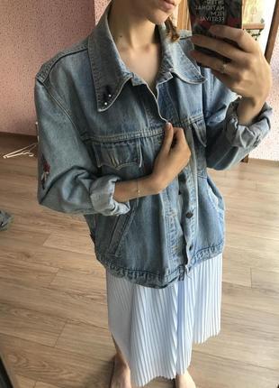 Редкая джинсовая курточка levis с аксессуарами