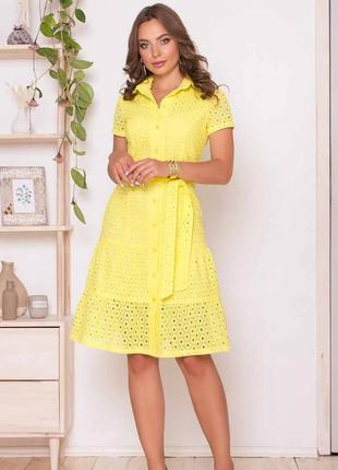 Платье из тонкой и дышащей прошвы в самых сочных и летних цветах