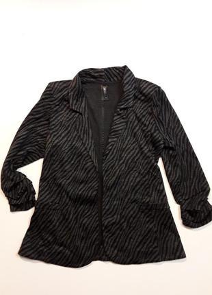 Фирменный очень красивый трикотажный пиджак кардиган