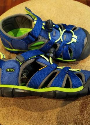 Спортивные босоножки сандали закрытые keen