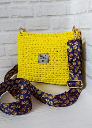 Жёлтая летняя сумочка из трикотажной пряжи