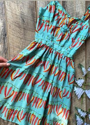 Плаття в перчики