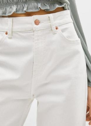 Новые трендовые белые джинсы мом