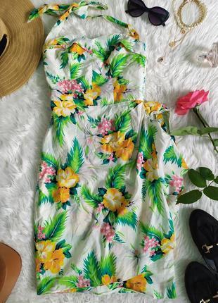 Легкое платье по  фигуре в цветочек