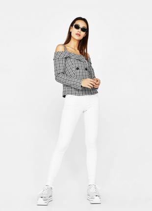 Стильные новые белые джинсы брюки штаны bershka