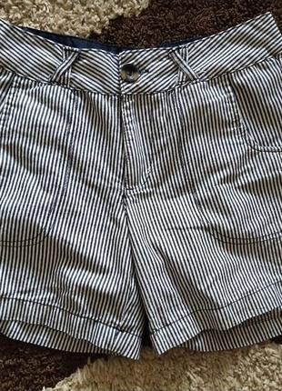 Лёгкие шортики в синн- белую полоску в морской тематике