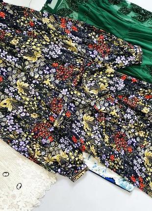 Цветочное платье миди под поясок