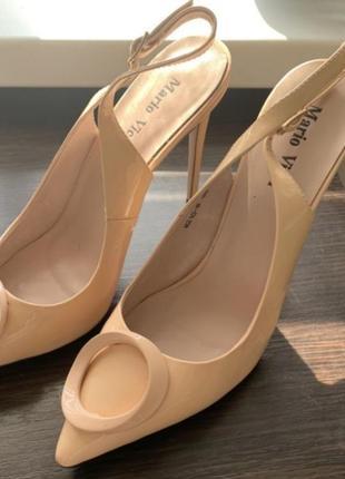 Туфли лодочки босоножки бежевые с открытой пяткой на шпильке на каблуке
