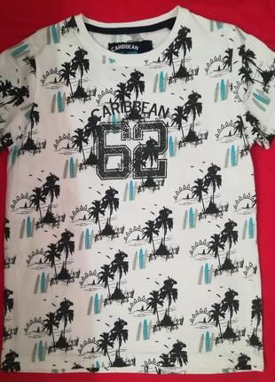 Тонкая котоновая футболка на рост 140