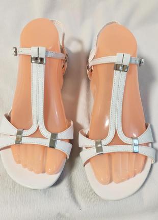 Сандалии женские кожаные белые footglove