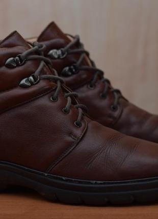 Осенние кожаные ботинки clarks, 39 размер. оригинал