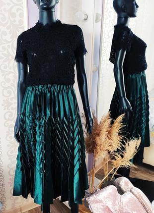 Розкошная атласная новая юбка миди плиссе изумрудного цвета 💚