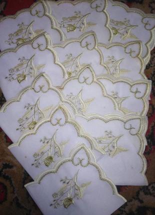 Нежная праздничная скатерть 215*144 с вышивкой +12 салфеток