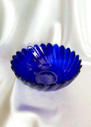 Салатница кобальт  ссср синее цветное стекло