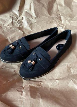 Новые базовые чёрные туфли лоферы new look под замшу