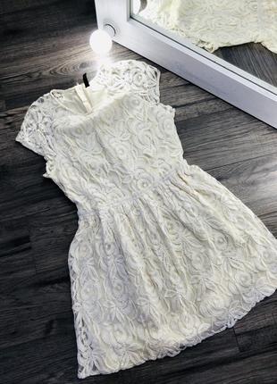 Актуальное кружевное платье от h&m кремового цвета!