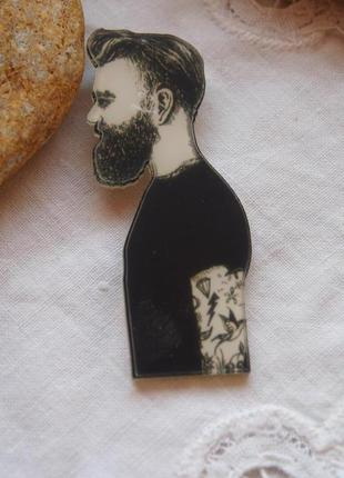 Брошь мужчина с бородой и тату, унисекс
