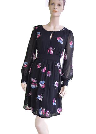 Двухслойное приталенное платье из шифона