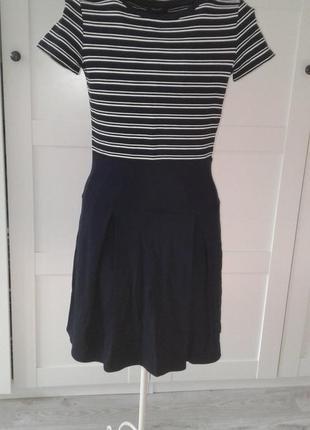 Платье черное с узором полоска от max&co, оригинал р.s-m