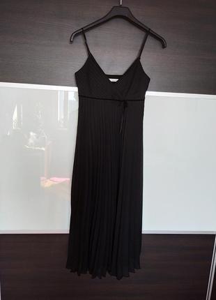 Актуальное черное платье миди плиссе на бретелях george