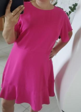Стильне плаття нове з етикеткою