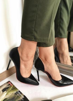 Туфлі чорні класичні