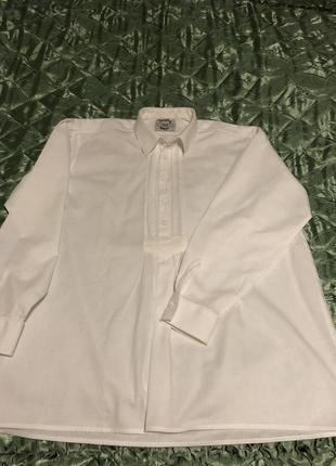 Белая льняная рубашка в стиле кантри