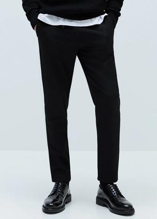 Облегающие брюки со съемным аксессуаром на талии